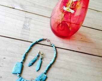 Vintage Jewelry Set ||| Faux Turquoise ||| Geometric Necklace & Earrings