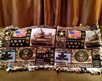 Enjoy this US Army fleece blanket