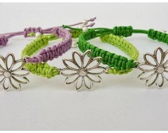 Hippie Daisy Bracelet / Festival Bracelets / Macrame Bracelet / Adjustable / Choice of Colours / Gift/ Stacking Bracelet / Wish Knots