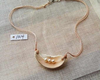 1314 Shell Necklace w/ Pearls
