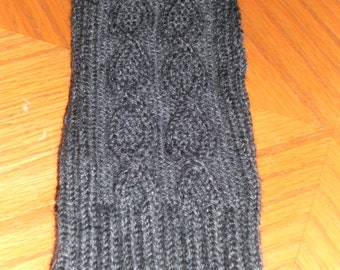 Hourglass cable Fingerless Mittens