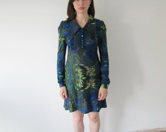 Vintage 1970s Ladies Digital Print Dress