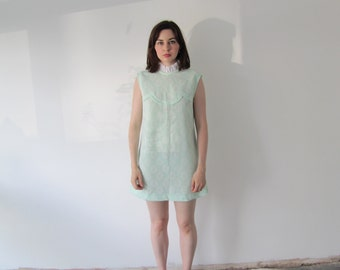 Vintage 1960s Ladies Frill Collar Mint Mini Shift Dress