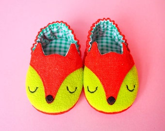 Fabric Baby Shoes, Prewalker Shoes, Newborn Shoes, Fox Shoes, Elastic Baby Booties, The Fantastic Fox 01