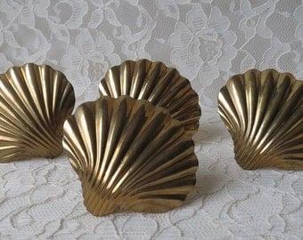 Vintage Brass Napkin Rings Seashell Nautical Beach Ocean Decor Dining Serving Tableware Entertaining Set of 4