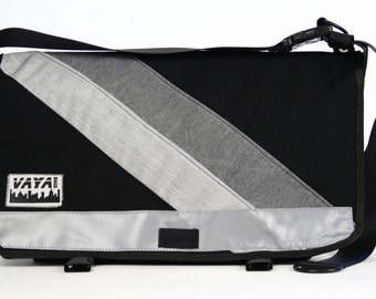 Messenger bag in black and grey