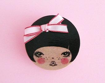 Miu Doll Face Brooch