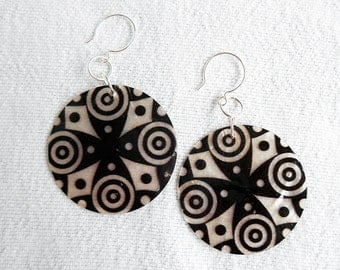 Black and white cross shell dangle earrings - beaded earrings - drop earrings - wire wrapped earrings