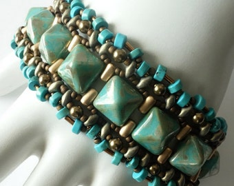 Turquoise Boho Cuff Bracelet, Pyramid Stud Beads, Turquoise Howlite Heishi Beads, Beadweaving, Original Design, Stackable, Beaded Jewelry