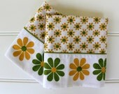 Mod Vintage Pillowcases - 1970s Daisy Cases - Bright Green and Gold Flowers on White - Standard Size - Daisy Pillow Case