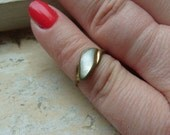 FREE SHIPPING Vintage Brass Ring with Mother of Pearl Accent - Size 4 1/2