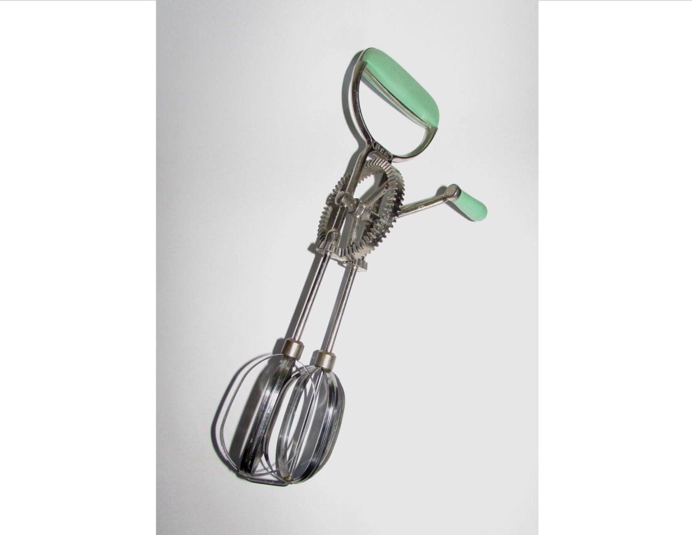 Best Hand Held Mixer ~ Vintage hand held egg beater mixer best green plastic
