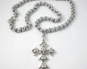 Skull and Cross Pendant Chainmaille Necklace