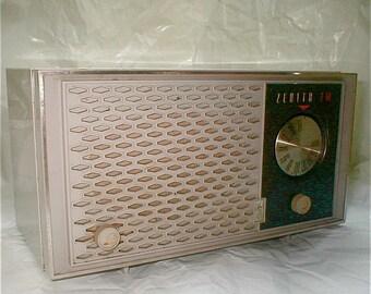 Zenith FM Radio - Model H 722 G - Vintage  1960's Audio - Table Top Radio Works