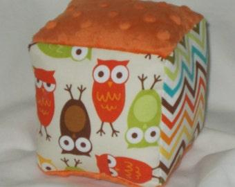 Bermuda Urban Zoologie Owls and Minky Fabric Block Rattle