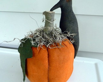 Primitive Pumpkin Crow Cupboard Tuck
