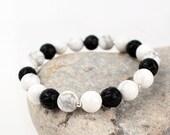 Bracelet Yin Yang semi precious Black and white stones stretch stacking bracelet yoga