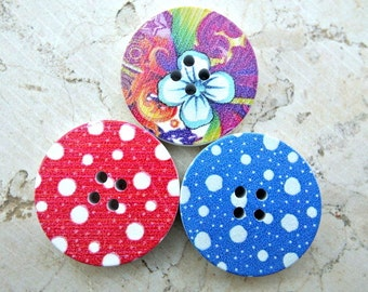 18 Wood buttons, 3 diffrent designs, beautiful colorful buttons dots and flowers, 30mm