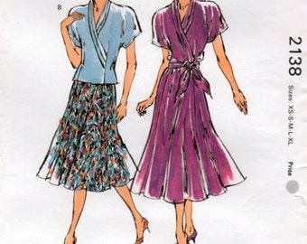 Ladies 90s Top and 6 Gore Skirt 5 Sizes Sewing PatternKwik Sew 2138 Uncut