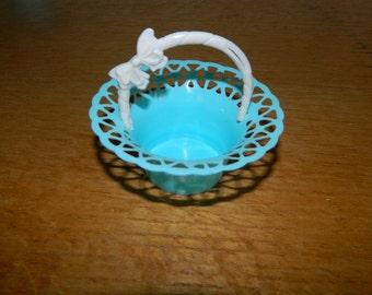 Small Vintage  Plastic Baskets-