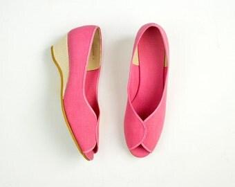 80s Vintage Daniel Green Outdorables Pink Peep Toe Canvas Espadrilles Wedge Pumps / Size US 7.5