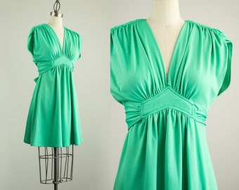 70s Vintage Mint Green Full Skirt Mini Dress / Size Small