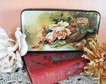 Vintage Tin Litho Candy Container Daintee Confectionery Company England Roses