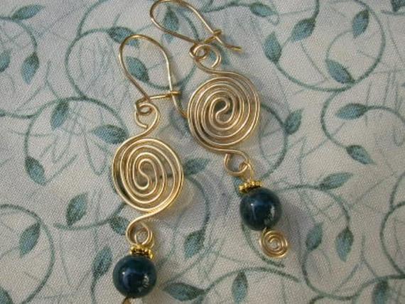 Green Agate Stone Spiral Wirework Earrings
