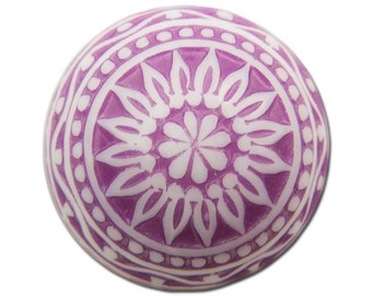 Vintage Etched Mosaic Purple and White Cabochons 18mm (2) cab710A