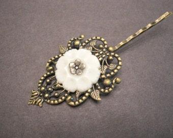 Victorian Hair Clip, Woodland Hair Pin, Filigree, Antique Brass, White Button, Floral Hair Clip, Vintage Button Hair Pin, Button Bobby Pin