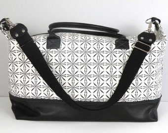 Overnight Bag / Weekender Bag / Leather Travel Bag / Black and White Duffel / Large Zippered Overnight Bag / Carryon Luggage