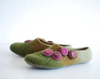 Wool slippers/ home shoes INA in green with purple flowers- Made to order, custom colors, any size
