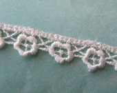 3 Yards Venise Lace Ivory Tiny Flower Ribbon Trim 3/8 Inch Wide Flowers  V-1