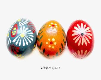 Vintage Egg Figurines, Folk Art Carved / Tole Painted Wood Lot