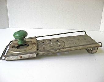 1920's Vintage Knapps Patent Safety Veg-E-Grater Tin Folding Grater w Fat Jade Green Wooden Knob