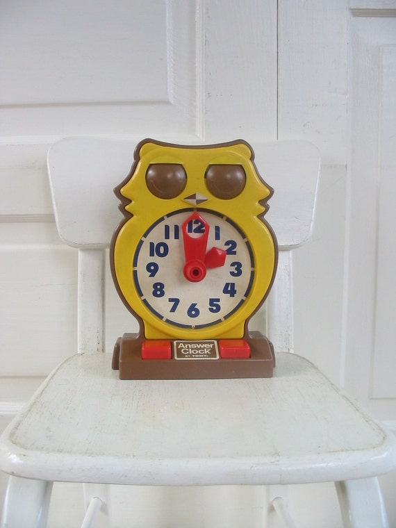 Vintage 70s Tomy Plastic Owl Answer Clock | eBay