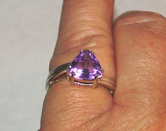 Gorgeous Amethyst in Sterling Solitaire Ring size 6.75