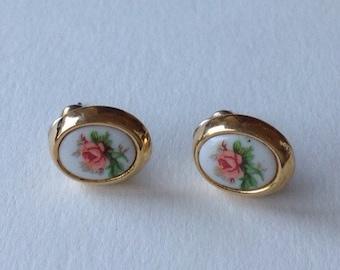 Delicated rose painted earrings