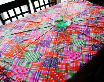 Sale.....Tablecloth Vintage Groovy Round Patchwork