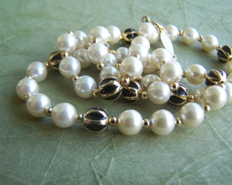 Vintage Jewelry 1970s Napier Faux Pearl 16 Inch Necklace with Navy and Gold Enamel Beads strung on fine gold chain