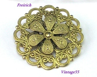 Brooch Gold tone Scrolled Floral Freirich