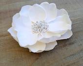 Bridal Flower Clip, Ivory Flower Clip, Bridal Hair Piece, Flower Fascinator, Wedding Accessories, Ivory Magnolia Starburst Rhinestone Center