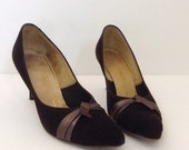 vintage 1950s shoes 50s pumps // pinup BOMBSHELL brown high heels 7.5 AAA by Socialites A Red Cross shoe