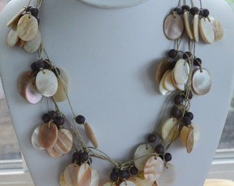 """Pretty Vintage Multi-Strand Shell Necklace, Adjustable, Beach, Tropical, """"Chico's"""""""