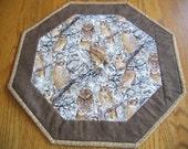 "Quilted Octagon Mat in Owls - 16"" diameter"