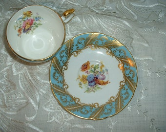 Vintage Paragon By Appointment for  Her Majesty the Queen Tea Cup and Saucers Mint White Gold Floral