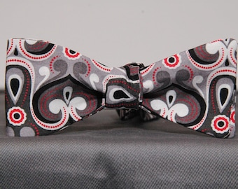 Graceful Waves of Grey & Red Bow tie