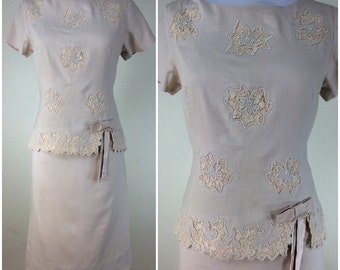 Vintage 1950s Beige Linen Floral Lace Dress