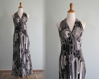 Vintage 1970s Dress - Sexy Black and White Graphic Print Halter Dress - 70s Sexy Jersey Halter Dress L