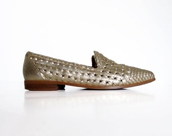 Vintage sz 6 Metallic Shoes Leather Loafers Casual Woven Flats Summer Shoes Minimalist Gold Shoes